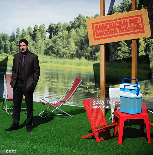 US actor Jason Biggs poses during a photocall of the film American Pieancora insieme on April 18 2012 in Rome AFP PHOTO / TIZIANA FABI