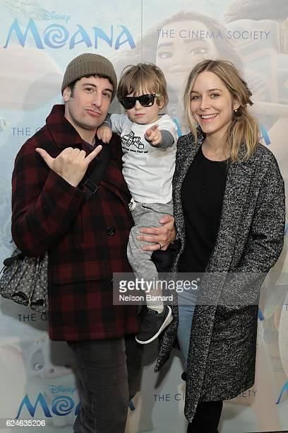 Actor Jason Biggs Sid Biggs and Jenny Mollen attend the Cinema Society Screening of Disney's 'Moana' at Metrograph on November 20 2016 in New York...