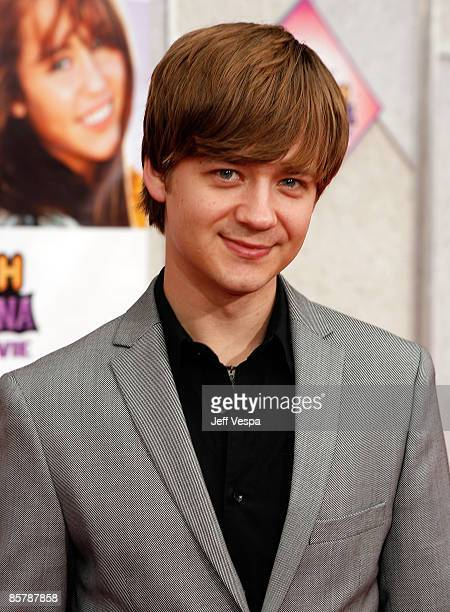 Actor Jason Earles arrives at the premiere of Walt Disney Picture's Hannah Montana The Movie held at the El Captian Theatre on April 2 2009 in...