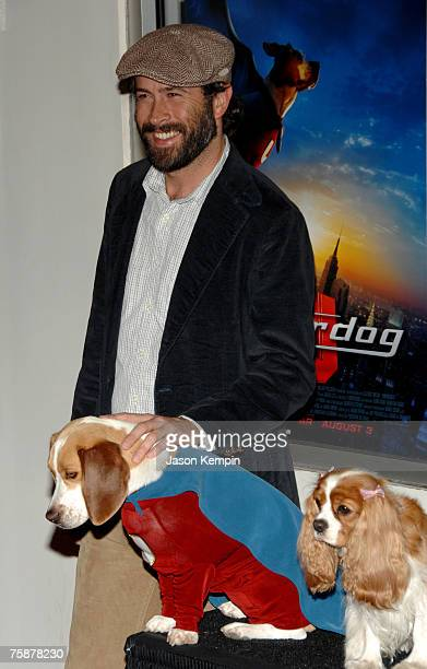Actor Jason Lee voice of Shoeshine Boywith Shoeshine/Underdog and Swwt Polly Purebread at the premiere of Underdog at the Regal EWalk Stadium 13 on...