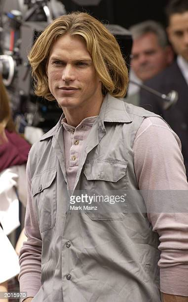 Actor Jason Lewis who plays Kim Cattrall's boyfriend rehearses a scene on the set of the 'Sex and the City' May 20 2003 on the Upper West Side in New...