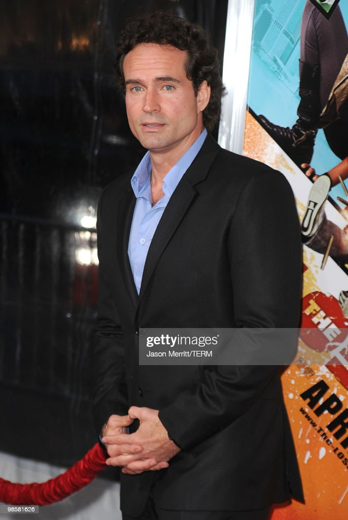 Actor Jason Patric arrives at 'The Losers' Premiere at Grauman's Chinese Theatre on April 20, 2010 in Hollywood, California.