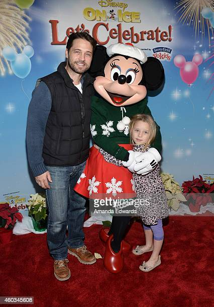 Actor Jason Priestley and his daughter Ava Priestley attend the Disney On Ice Presents Let's Celebrate event at Staples Center on December 11 2014 in...