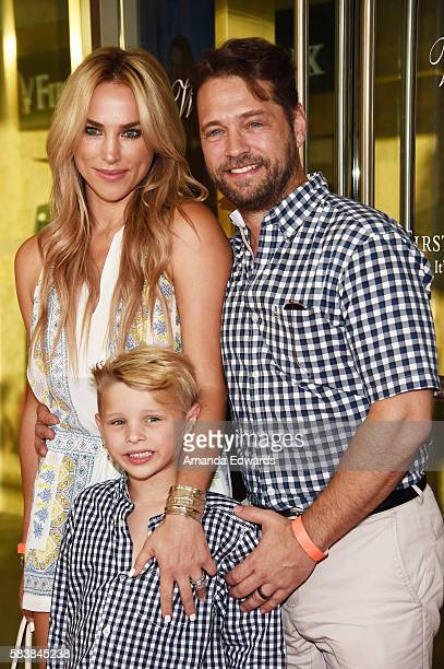 Actor Jason Priestley his wife Naomi LowdePriestley and their son Dashiell Priestley arrive at the Raising The Bar To End Parkinson's event at Laurel...