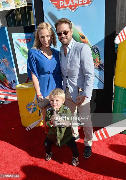"Actor Jason Priestley Naomi LowdePriestley and Dashiell Orson Priestley attend the World Premiere of ""Disney's Planes"" at the El Capitan Theatre on..."
