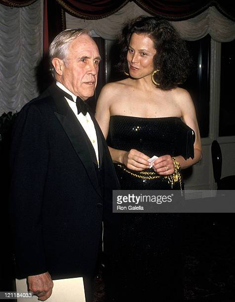 Actor Jason Robards and actress Sigourney Weaver attend the American Academy of Dramatic Arts Honors Hume Cronyn and Jessica Tandy on May 1, 1988 at...