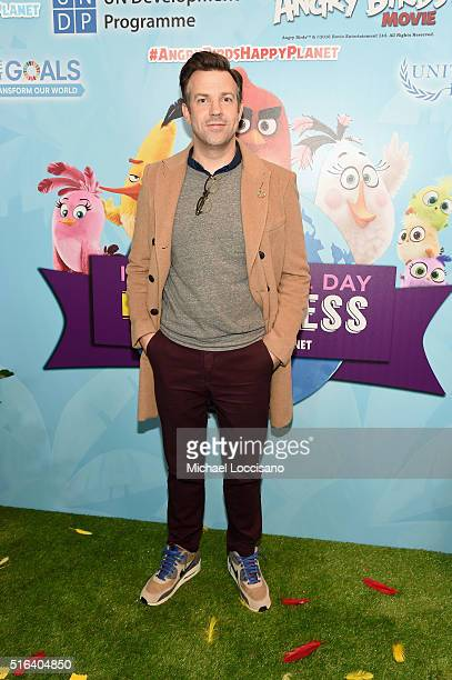 """Actor Jason Sudeikis attends the United Nations Ceremony Presentation and Photo Call naming Red from the 'ANGRY BIRDS"""" movie Honorary Ambassador for..."""