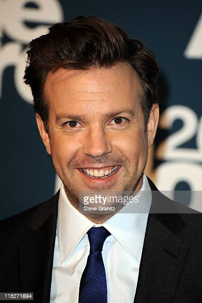 Actor Jason Sudeikis poses in the press room during the 2011 MTV Movie Awards at Universal Studios' Gibson Amphitheatre on June 5 2011 in Universal...