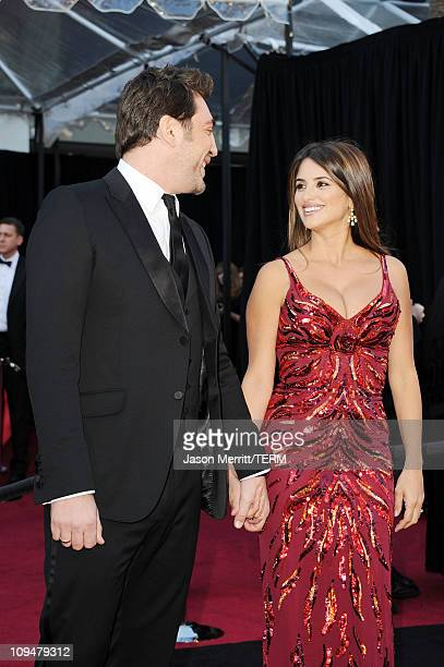 Actor Javier Bardem and actress Penelope Cruz arrive at the 83rd Annual Academy Awards held at the Kodak Theatre on February 27 2011 in Hollywood...