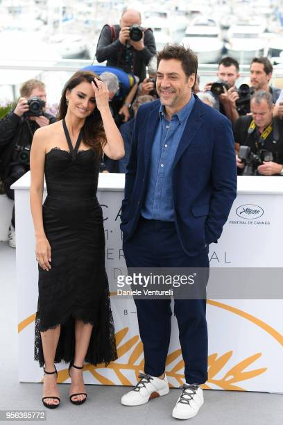 """Actor Javier Bardem and actress Penelope Cruz, wearing jewels by Atelier Swarovski Fine Jewelry, attend the photocall for """"Everybody Knows """" during..."""