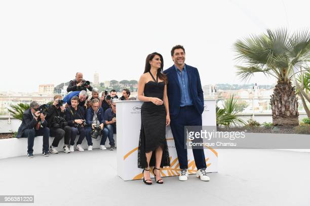 """Actor Javier Bardem and actress Penelope Cruz, wearing jewels by Atelier Swarovski Fine Jewelry, attends the photocall for """"Everybody Knows """" during..."""