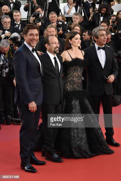 Actor Javier Bardem director Asghar Farhadi actress Penelope Cruz and actor Ricardo Darin attend the Premiere of 'Everybody Knows ' and the opening...