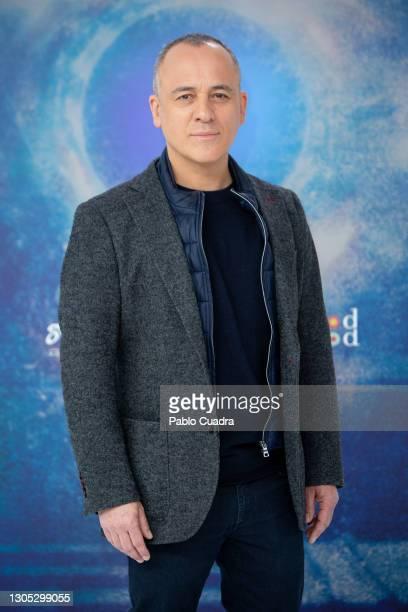 Actor Javier Gutiérrez attends 'Estoy Vivo' photocall at RTVE on March 04, 2021 in Madrid, Spain.