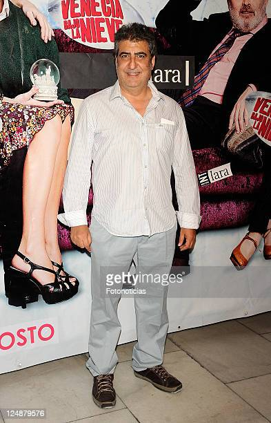 Actor Javivi attends the premiere of 'Venecia Bajo la Nieve' at the Lara Theater on September 13 2011 in Madrid Spain