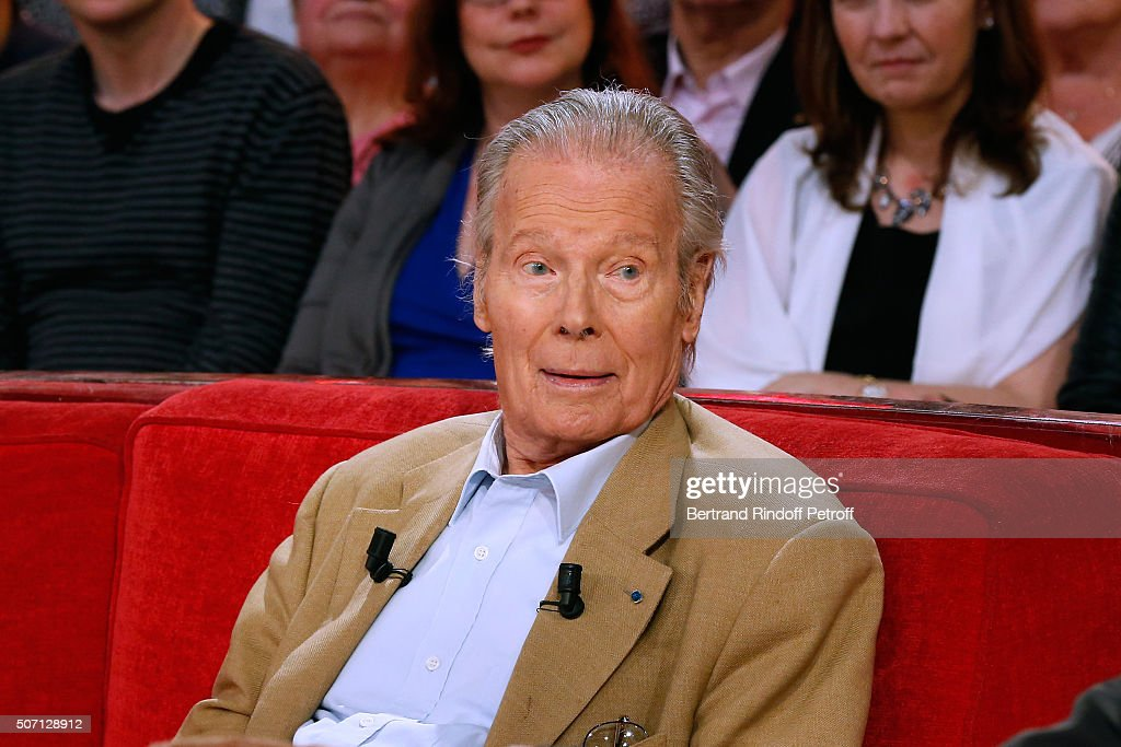 Actor Jean Piat presents the Theater Play 'Pieces d'Identite', performed at 'Theatre des Bouffes parisiens', during the 'Vivement Dimanche' French TV Show at Pavillon Gabriel on January 27, 2016 in Paris, France.