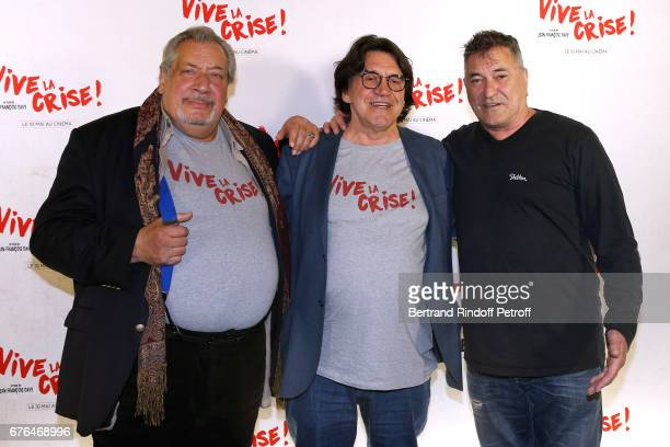 Actor JeanClaude Dreyfus Director JeanFrancois Davy and actor JeanMarie Bigard attend the 'Vive la Crise' Paris Premiere at Cinema Max Linder on May...