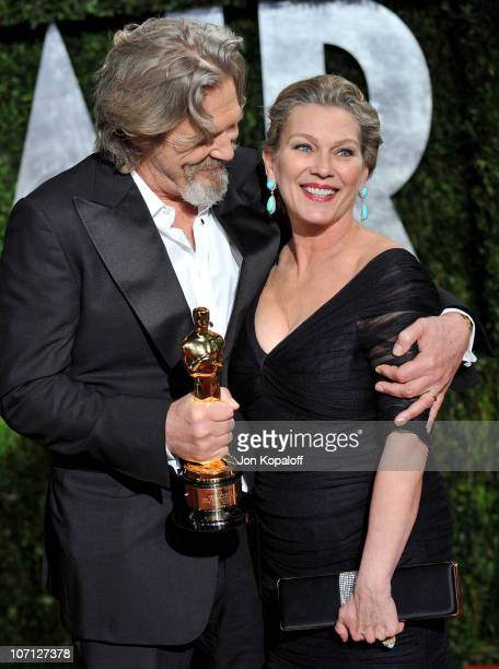 Actor Jeff Bridges and Susan Bridges arrive at the 2010 Vanity Fair Oscar Party held at Sunset Tower on March 7 2010 in West Hollywood California