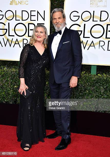 Actor Jeff Bridges and Susan Bridges attend the 74th Annual Golden Globe Awards at The Beverly Hilton Hotel on January 8 2017 in Beverly Hills...