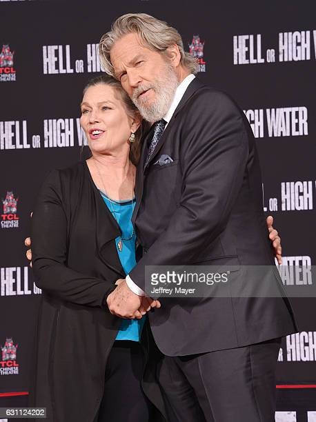 Actor Jeff Bridges and wife Susan Bridges attend his' hand and footprint ceremony at the TCL Chinese Theatre IMAX on January 6 2017 in Hollywood...