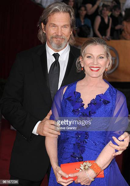 Actor Jeff Bridges and wife Susan Bridges attends the 16th Annual Screen Actors Guild Awards at The Shrine Auditorium on January 23 2010 in Los...