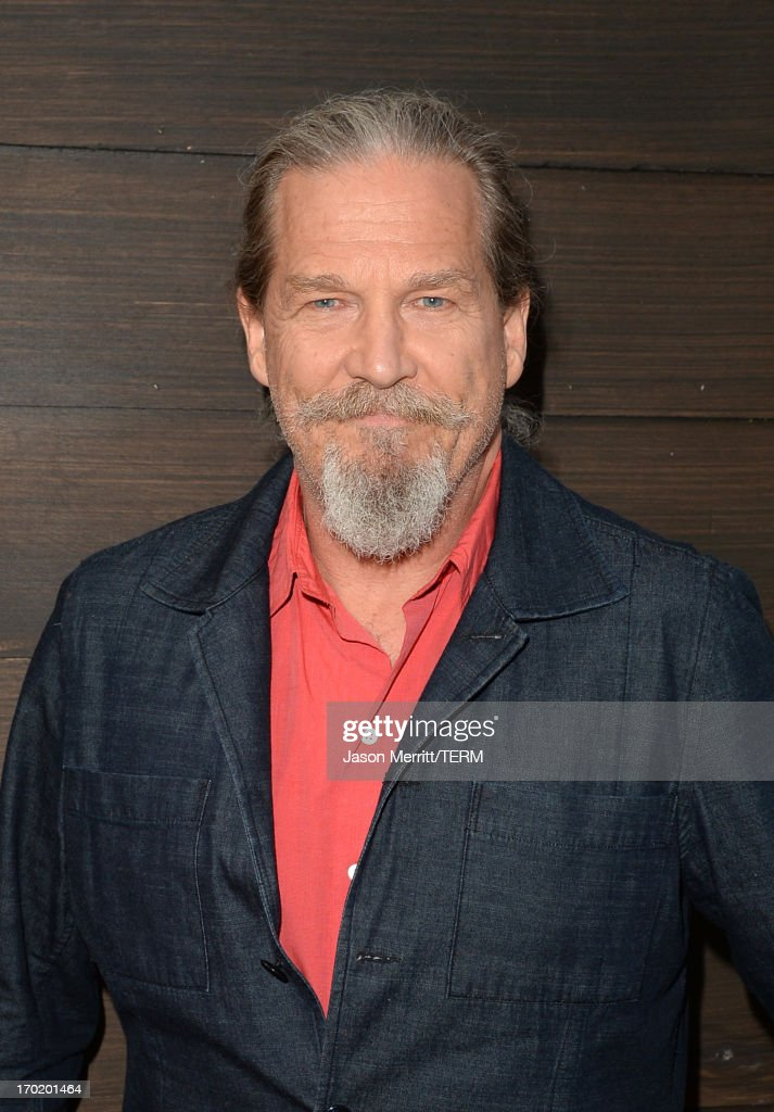 Actor Jeff Bridges attends Spike TV's Guys Choice 2013 at Sony Pictures Studios on June 8, 2013 in Culver City, California.