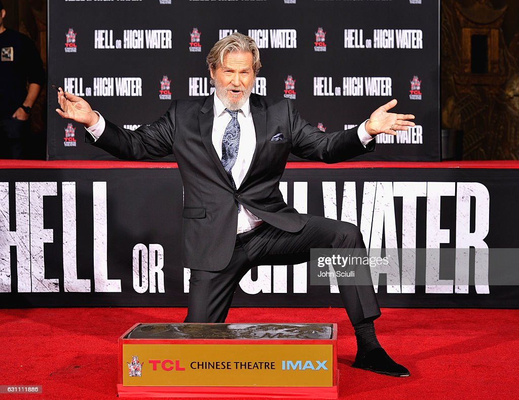 Academy Award-winner Jeff Bridges immortalized in Hand & Footprints Ceremony at TCL Chinese Theater