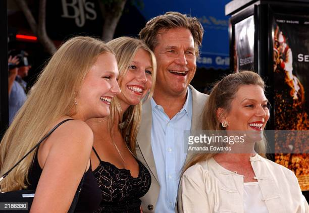 Actor Jeff Bridges with his wife Susan Geston and daughters attend the world premiere of the Universal Pictures film 'Seabiscuit' at the Mann Village...