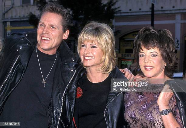 Actor Jeff Conaway singer Olivia NewtonJohn and actress Stockard Channing attend the Grease 20th Anniversary Screening on May 15 1998 at Mann's...