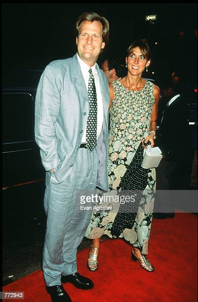 Actor Jeff Daniels and his wife Kathleen arrive at the premiere of Fly Away Home September 10 1996 in New York City The film directed by Carroll...