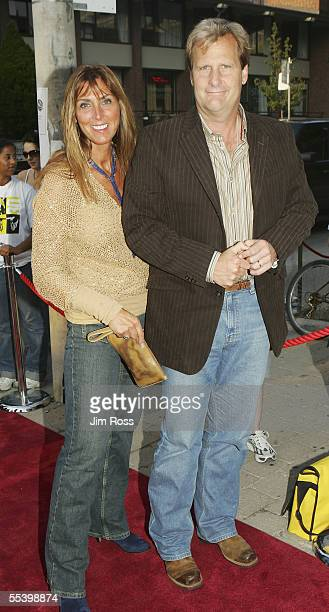 Actor Jeff Daniels and his wife Kathleen arrives at the TIFF premiere for the film The Squid and the Whale at the 30th Toronto International Film...