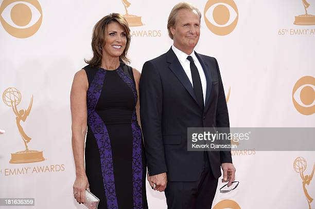 Actor Jeff Daniels and his wife Kathleen Treado arrive at the 65th Annual Primetime Emmy Awards held at Nokia Theatre LA Live on September 22 2013 in...