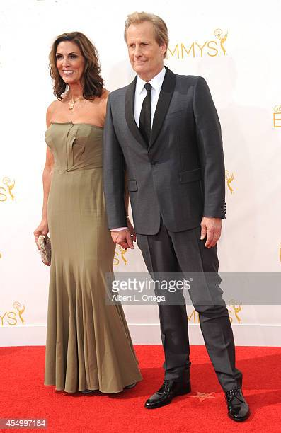 Actor Jeff Daniels and Kathleen Treado arrive for the 66th Annual Primetime Emmy Awards held at Nokia Theatre LA Live on August 25 2014 in Los...