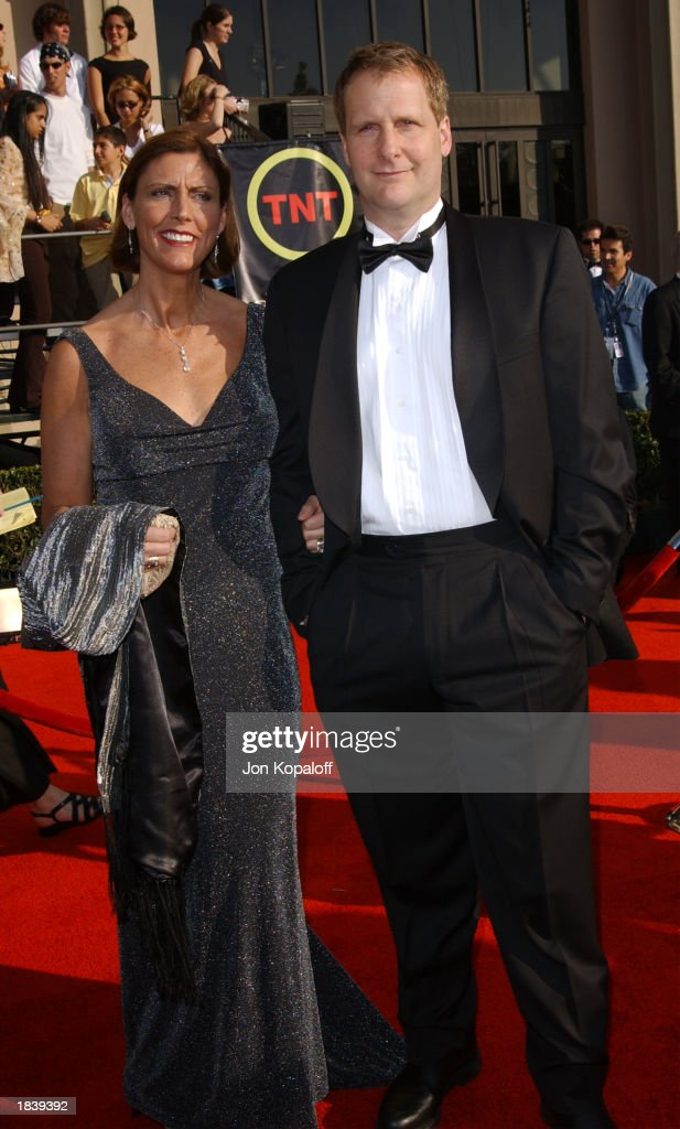 9th Annual Screen Actors Guild Awards : News Photo