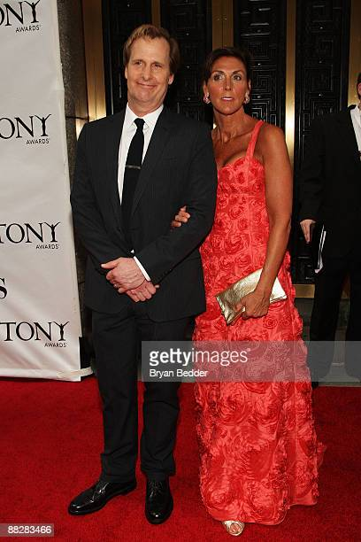 Actor Jeff Daniels and wife Kathleen Treado attend the 63rd Annual Tony Awards at Radio City Music Hall on June 7 2009 in New York City