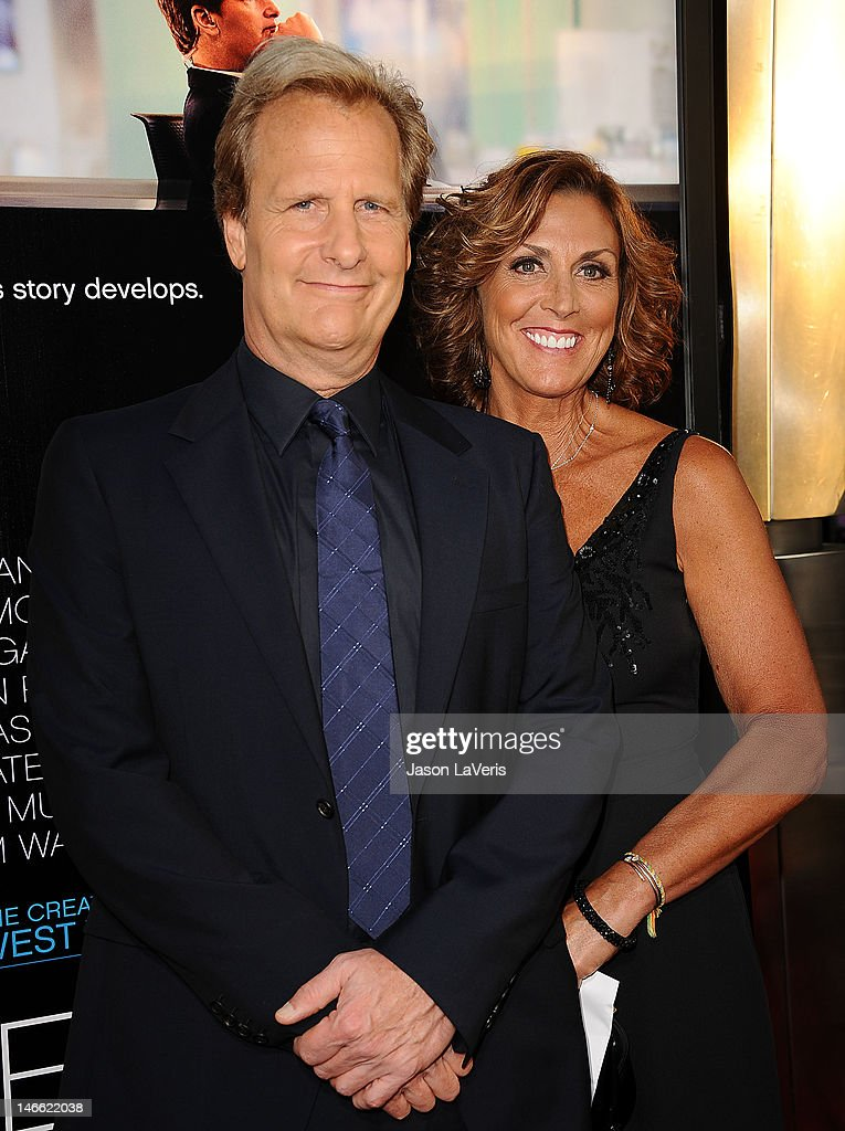 """HBO's """"Newsroom"""" Premiere - Arrivals : News Photo"""