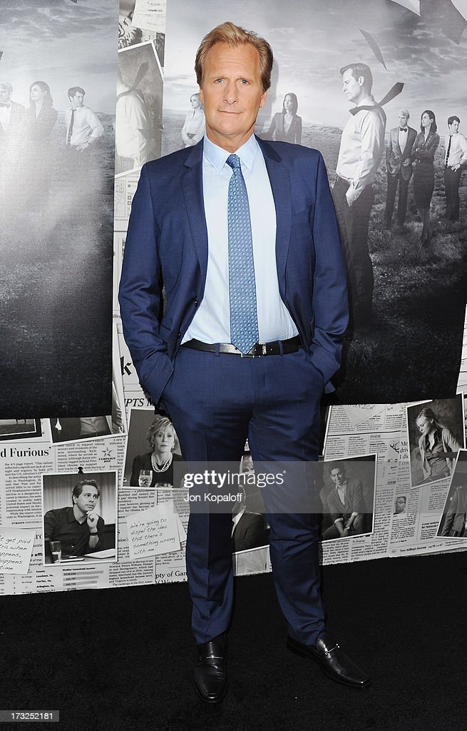 Actor Jeff Daniels arrives at HBO's Season 2 Premiere Of 'The Newsroom' at Paramount Theater on the Paramount Studios lot on July 10, 2013 in Hollywood, California.