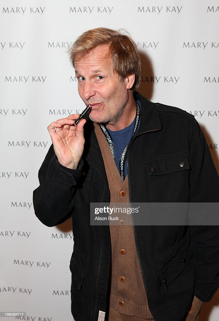 Actor Jeff Daniels attends Kari Feinstein's Pre-Golden Globes Style Lounge at the W Hollywood on January 10, 2013 in Hollywood, California.