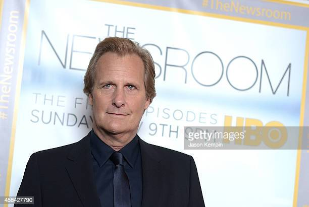 Actor Jeff Daniels attends the premiere of HBO's Newsroom Season 3 at Directors Guild Of America on November 4 2014 in Los Angeles California