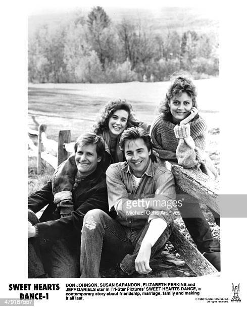 """Actor Jeff Daniels, Elizabeth Perkins, Don Johnson and Susan Sarandon pose in a scene from the the movie """"Sweet Hearts Dance"""" circa 1988."""
