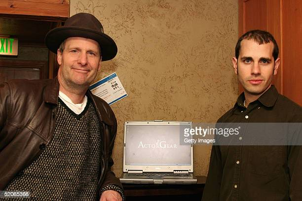 Actor Jeff Daniels visits the ActorGearcom display at the Gibson Gift Lounge during the 2005 Sundance Film Festival on January 25 2005 in Park City...