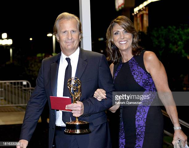 Actor Jeff Daniels winner of Outstanding Lead Actor in a Drama Serie for 'The Newsroom' and his wife Kathleen Treado attend the Governors Ball during...
