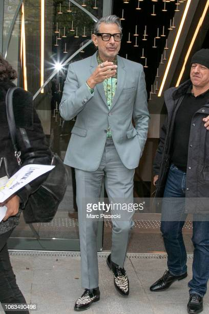 Actor Jeff Goldblum is seen leaving the 'Vivement Dimanche' TV show on November 19 2018 in Paris France