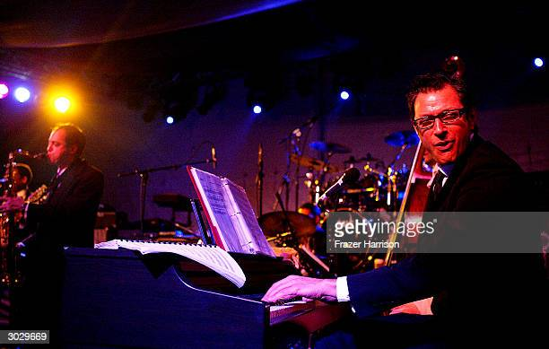 Actor Jeff Goldblum performs at the Hollywood awards night viewing dinner and party benefiting Children Uniting Nations' program matching foster...