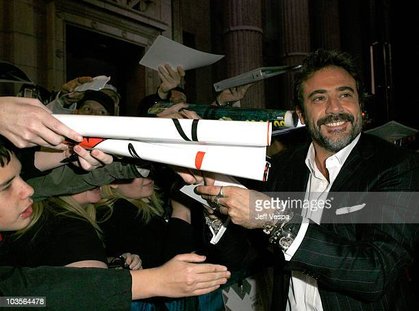 """Actor Jeffrey Dean Morgan arrives at the premiere of """"Watchmen"""" held at Grauman's Chinese Theatre on March 2, 2009 in Hollywood, California."""