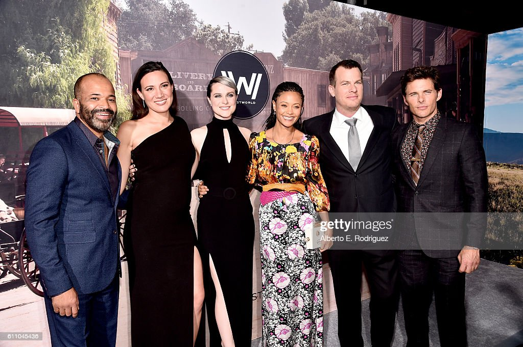 """Premiere Of HBO's """"Westworld"""" - Red Carpet : News Photo"""
