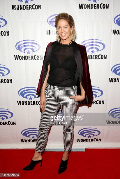 Actor Jenna Elfman of AMC's 'Fear of the Walking Dead' attends WonderCon at Anaheim Convention Center on March 24 2018 in Anaheim California