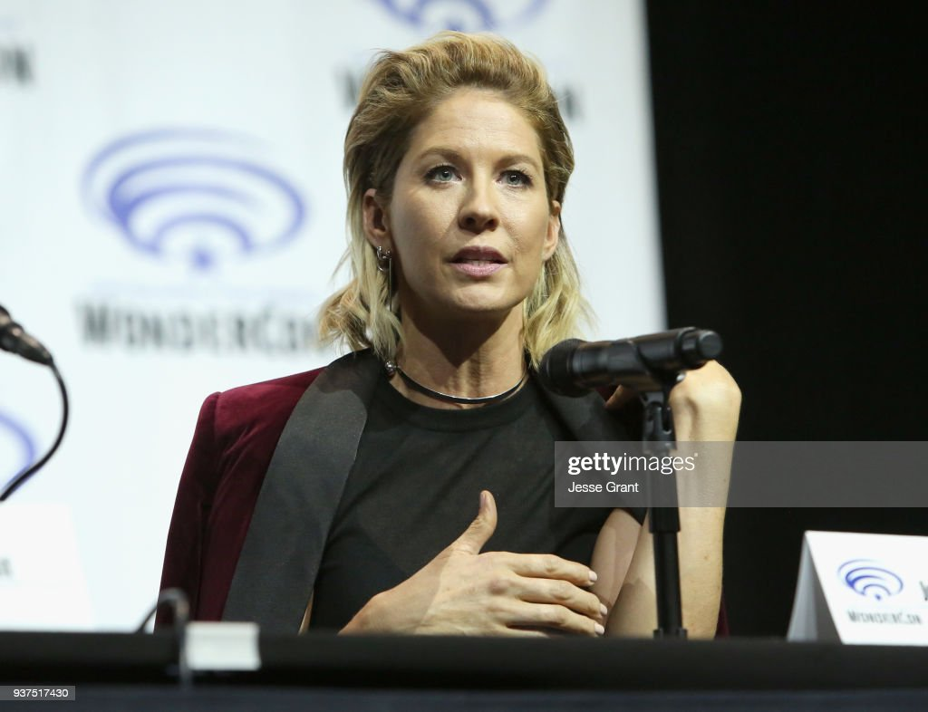 Actor Jenna Elfman speaks onstage during AMC's 'Fear of the Walking Dead' panel at WonderCon at Anaheim Convention Center on March 24, 2018 in Anaheim, California.