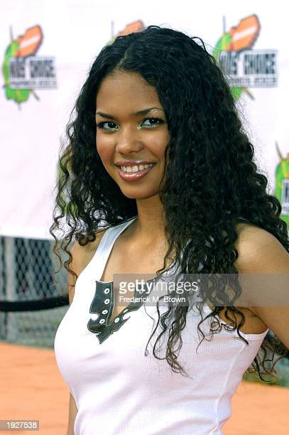 Actor Jennifer Freeman attends Nickelodeon's 16th Annual Kids' Choice Awards at the Barker Hangar April 12 2003 in Santa Monica California