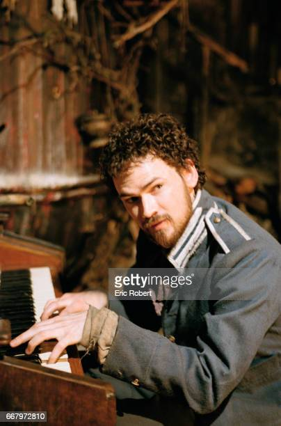 Actor Jeremy Davies plays the piano in a scene from the 1999 American film Ravenous The film directed by Antonia Bird was released in Mexico as Voraz
