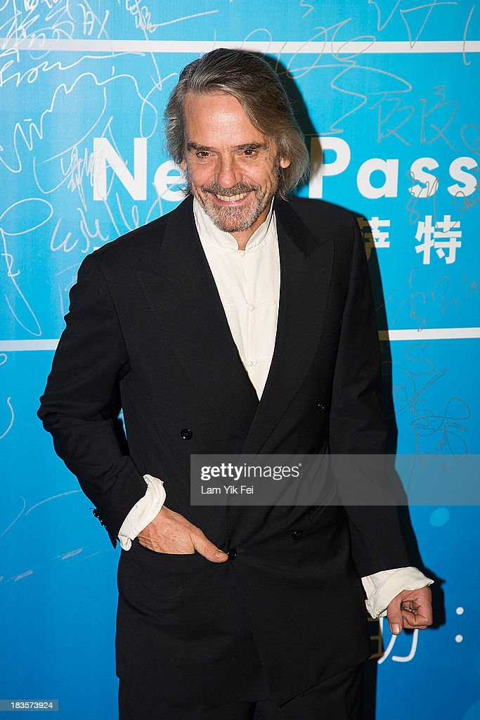 Actor Jeremy Irons poses on the red carpet during the 2013 Huading Awards Ceremony at The Venetian on October 7, 2013 in Macau, Macau.